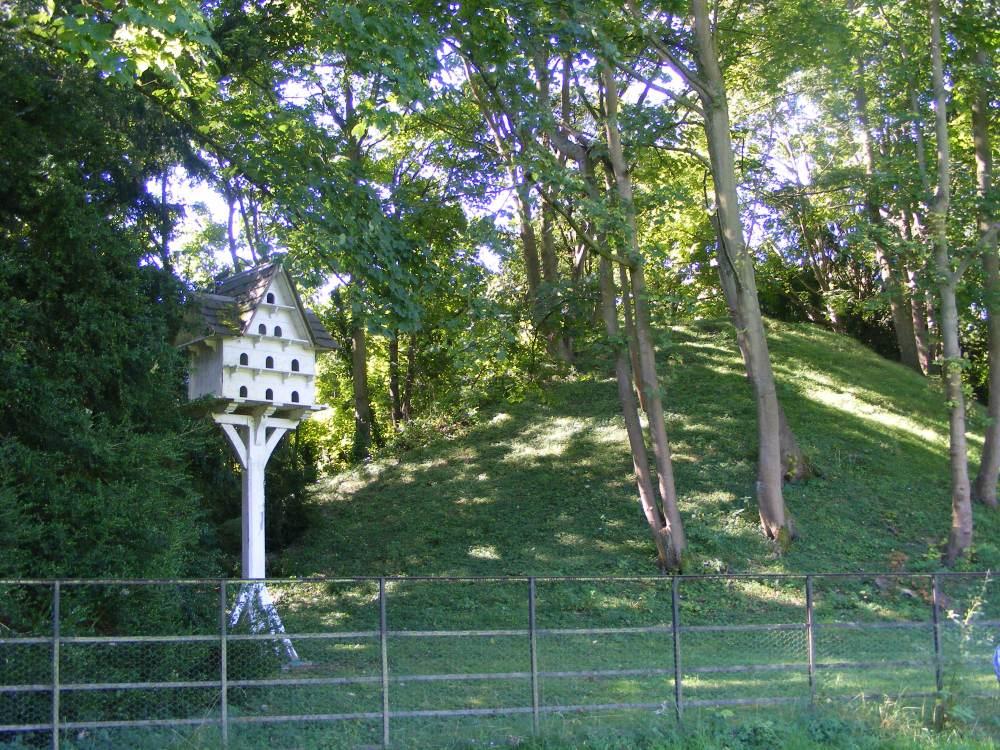 Romano-British Burial Mounds in Bartlow, Cambridgeshire. (4/6)