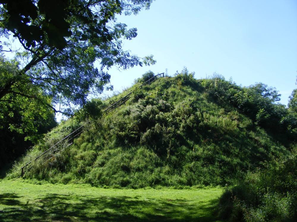 Romano-British Burial Mounds in Bartlow, Cambridgeshire. (6/6)